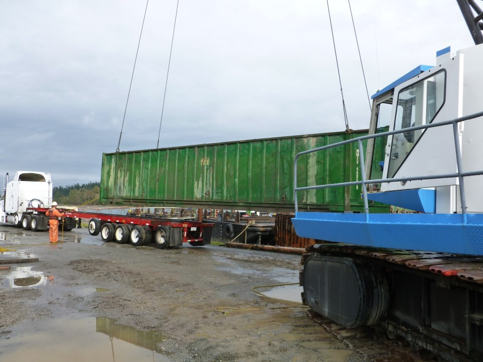 A2 – Loading Container on Truck